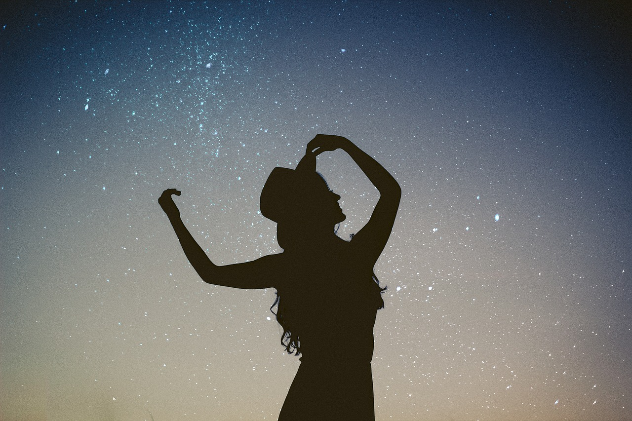 https://mlbyytp0evj0.i.optimole.com/w:auto/h:auto/q:auto/https://astroluna.rs/wp-content/uploads/2020/04/silhouette-2589471_1280.jpg